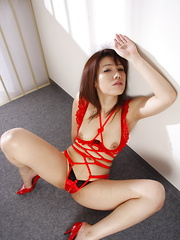 Horny Remi Kawamura spreads her legs on set