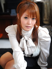 Lovely Asian lady Hinata Komine shows off